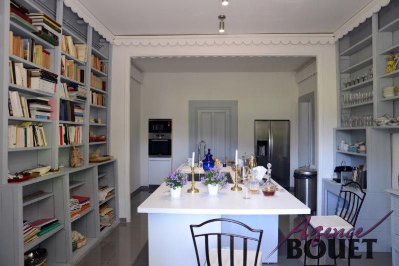 Vente Maison MOLLÉGÈS surface habitable de 380 m²