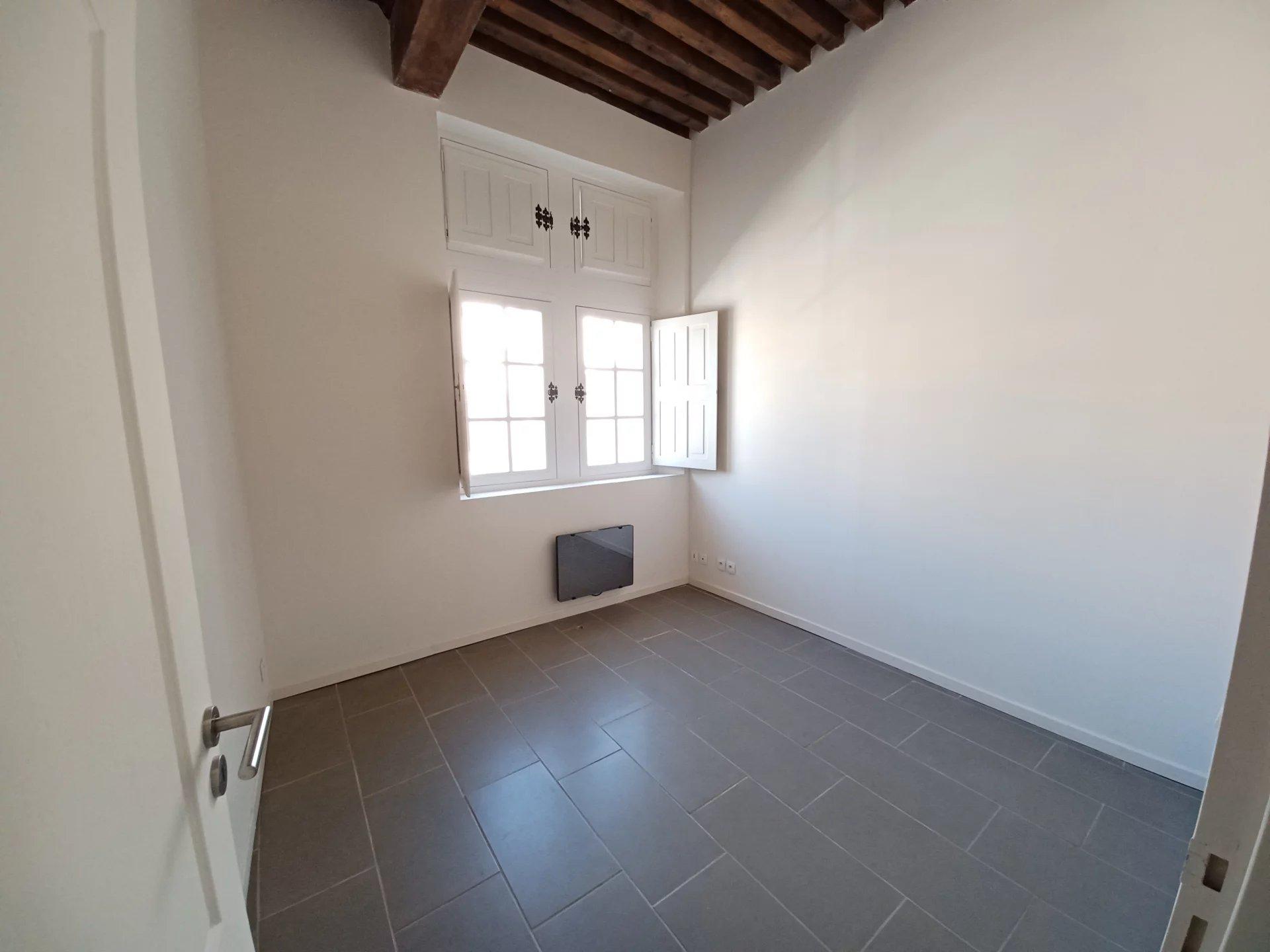 Location Appartement BEAUCAIRE surface habitable de 115 m²
