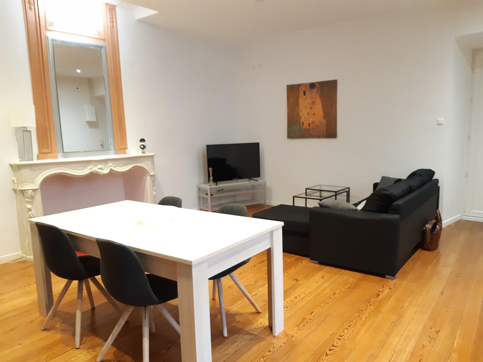 Location Appartement BARBENTANE séjour de 30 m²