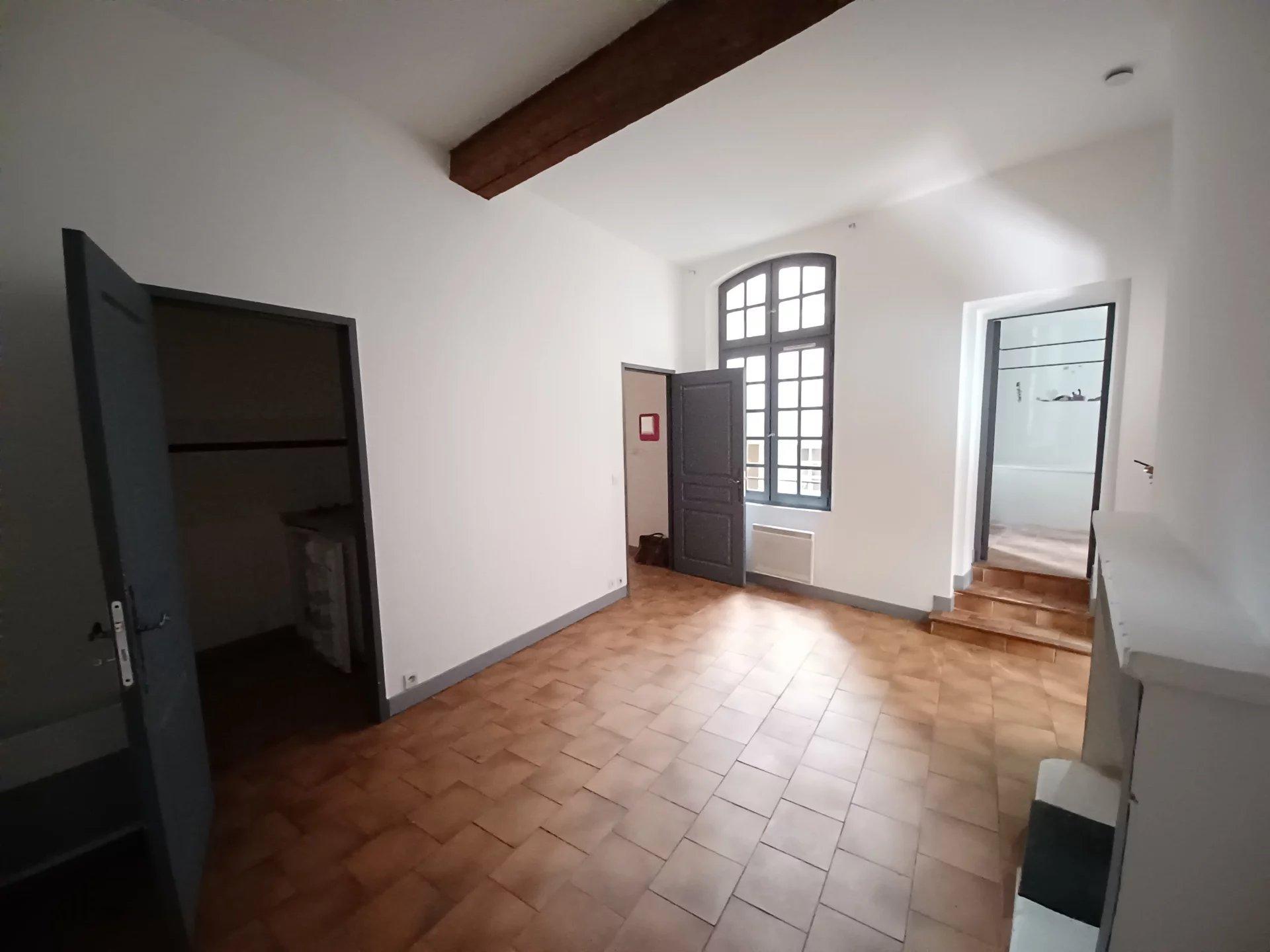Location Appartement BEAUCAIRE Mandat : 0219