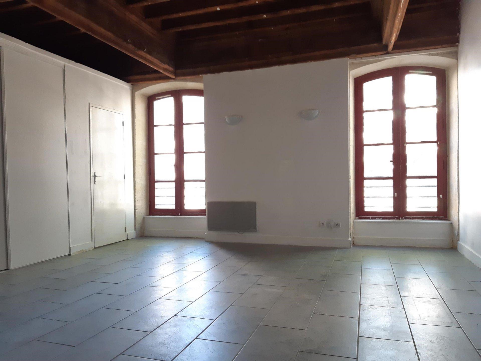 Location Appartement BEAUCAIRE Mandat : 0210