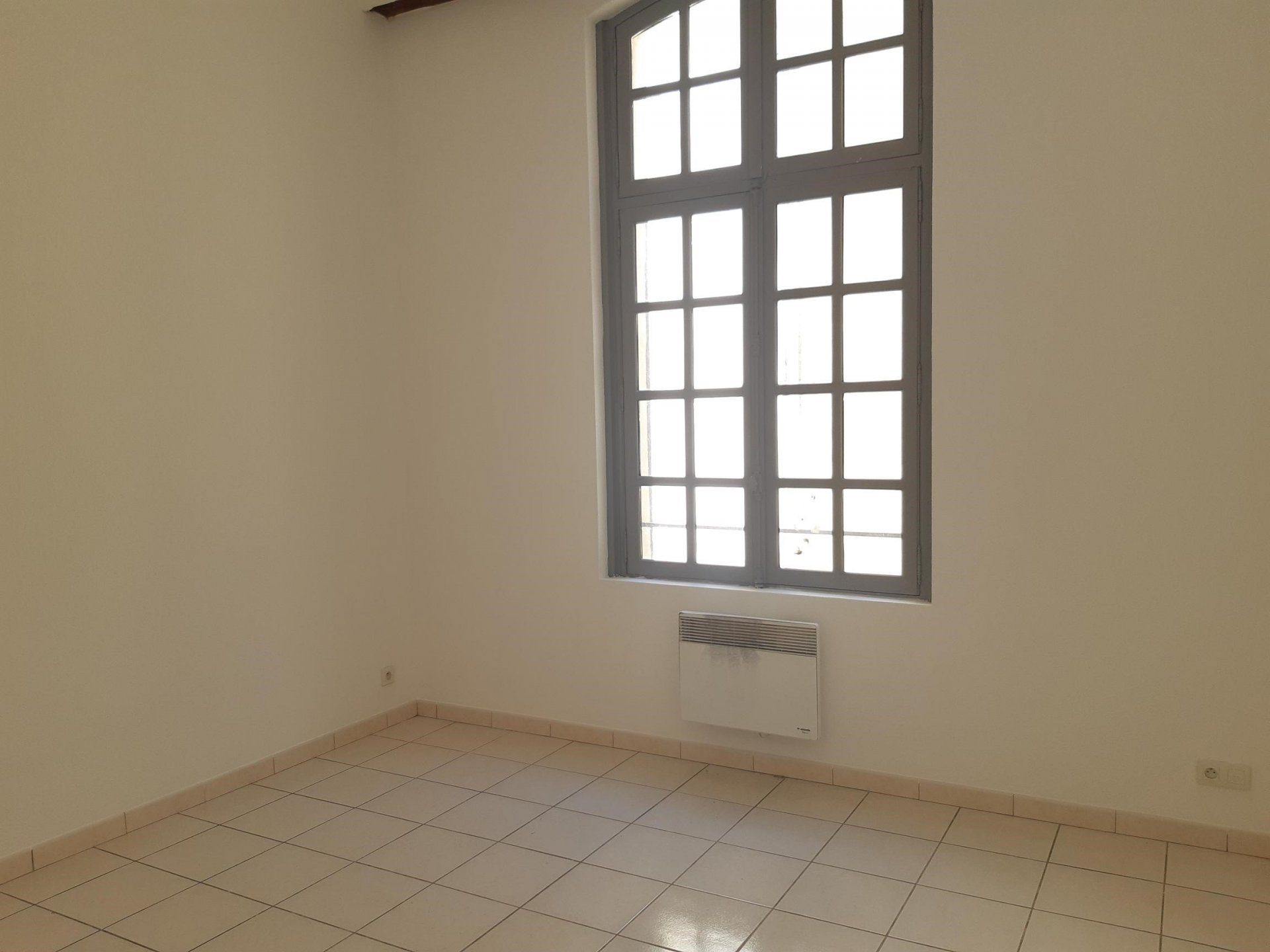 Location Appartement BEAUCAIRE surface habitable de 49 m²