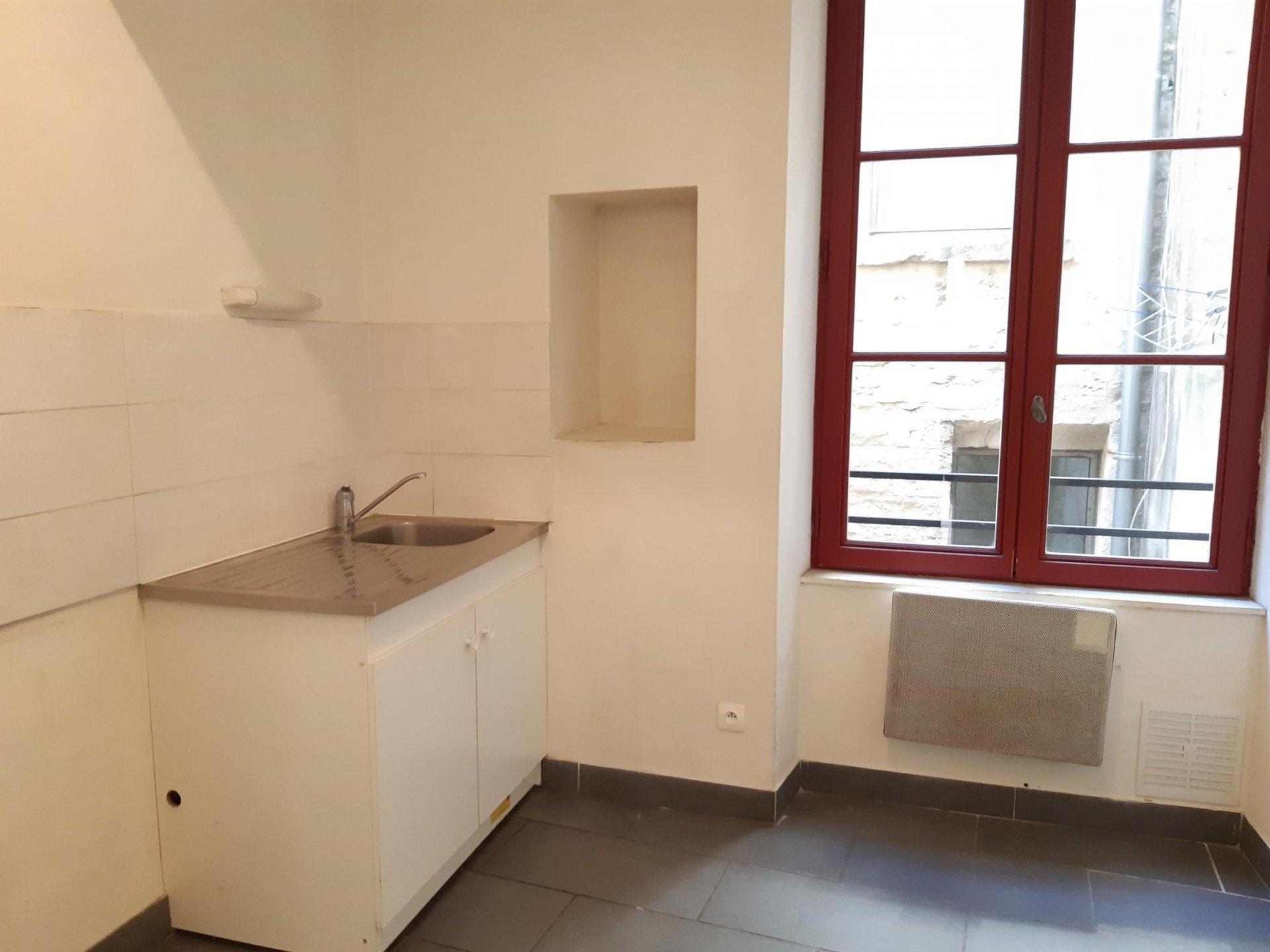 Location Appartement BEAUCAIRE surface habitable de 52 m²