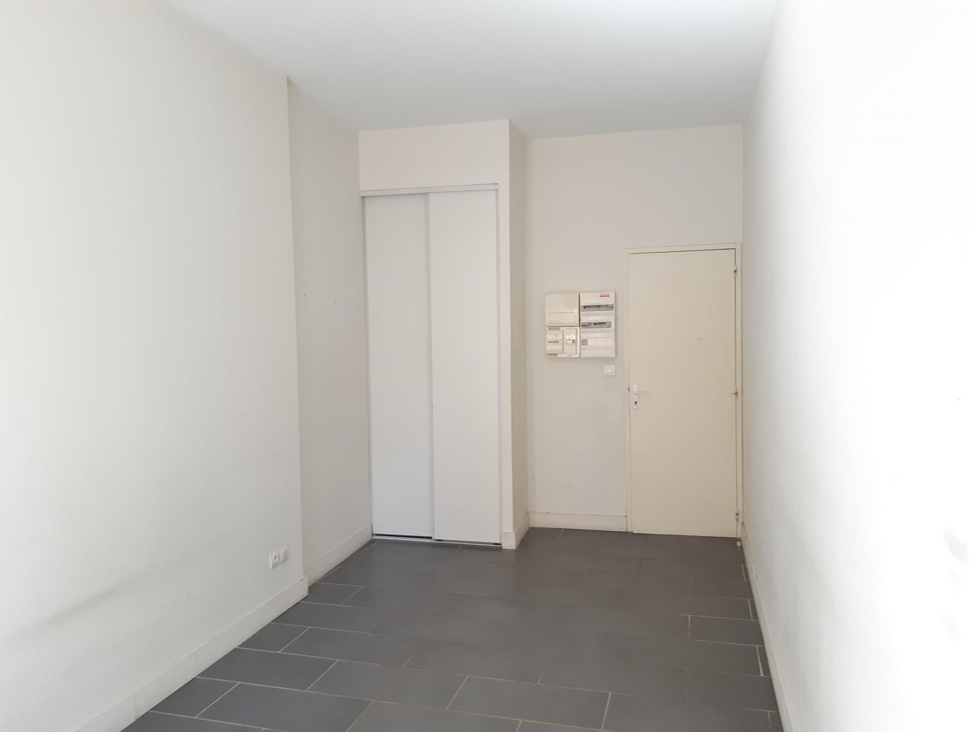 Location Appartement BEAUCAIRE 2 pièces