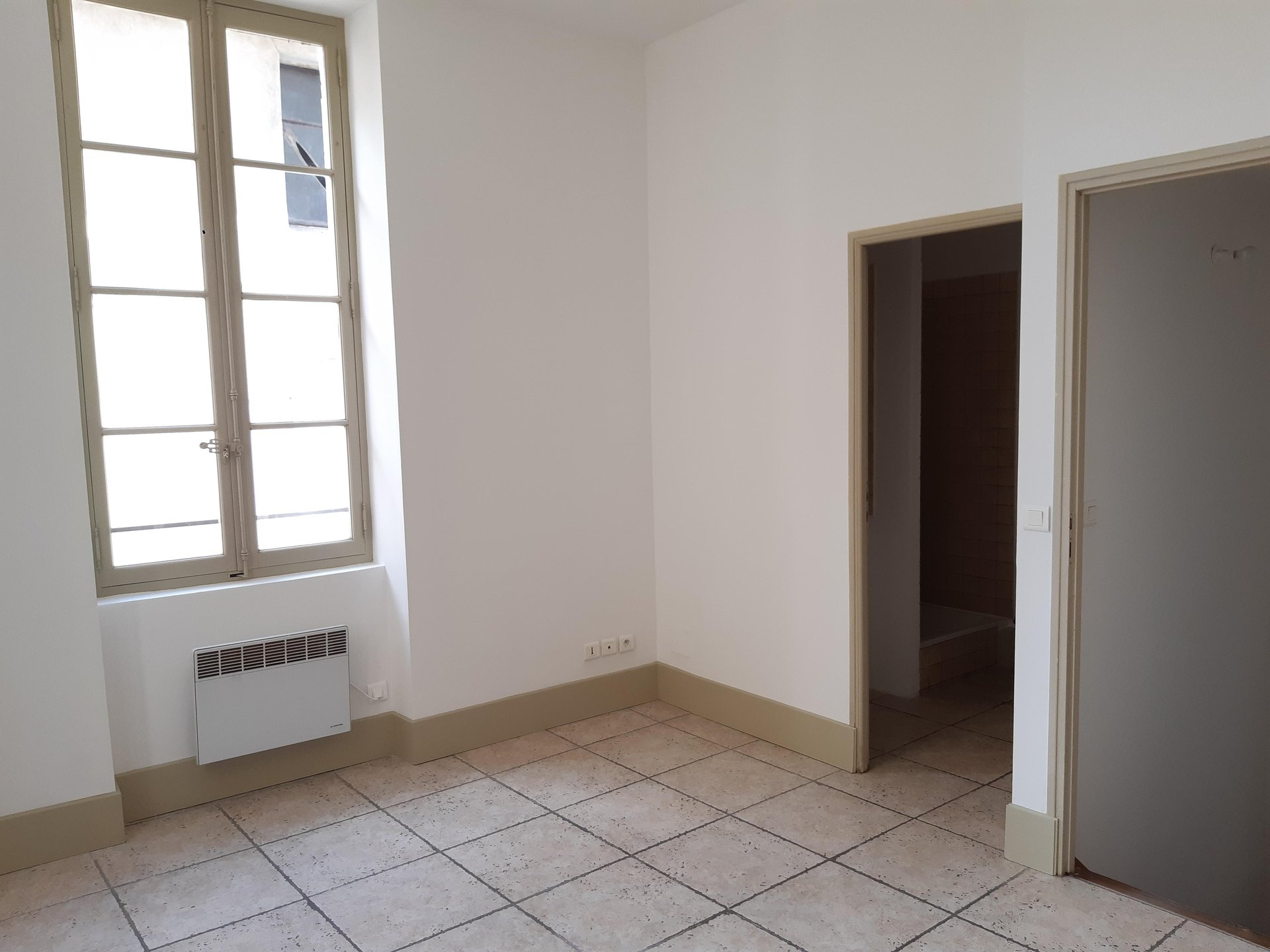 Location Appartement BEAUCAIRE surface habitable de 31 m²