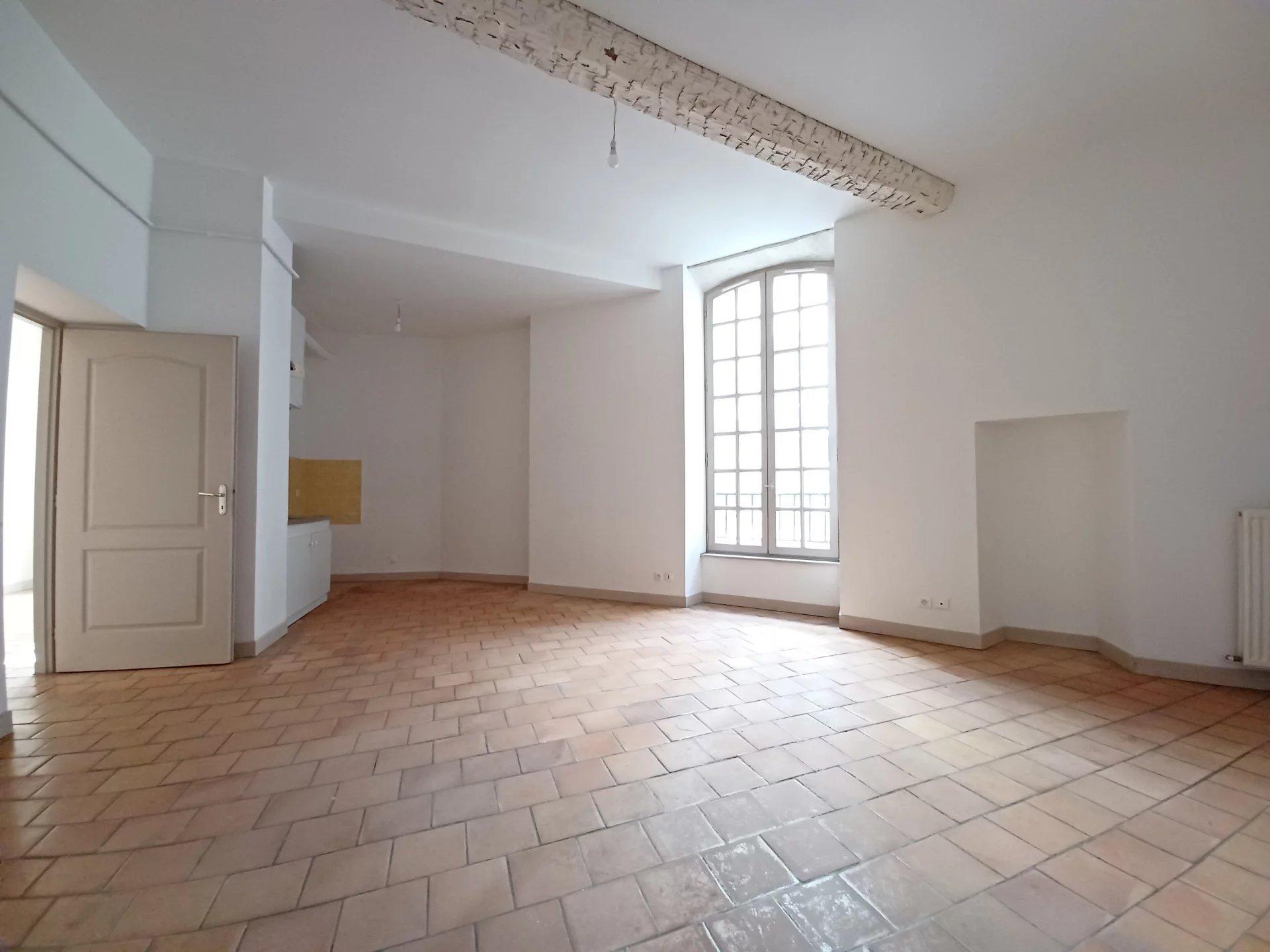 Location Appartement BEAUCAIRE Mandat : 0050