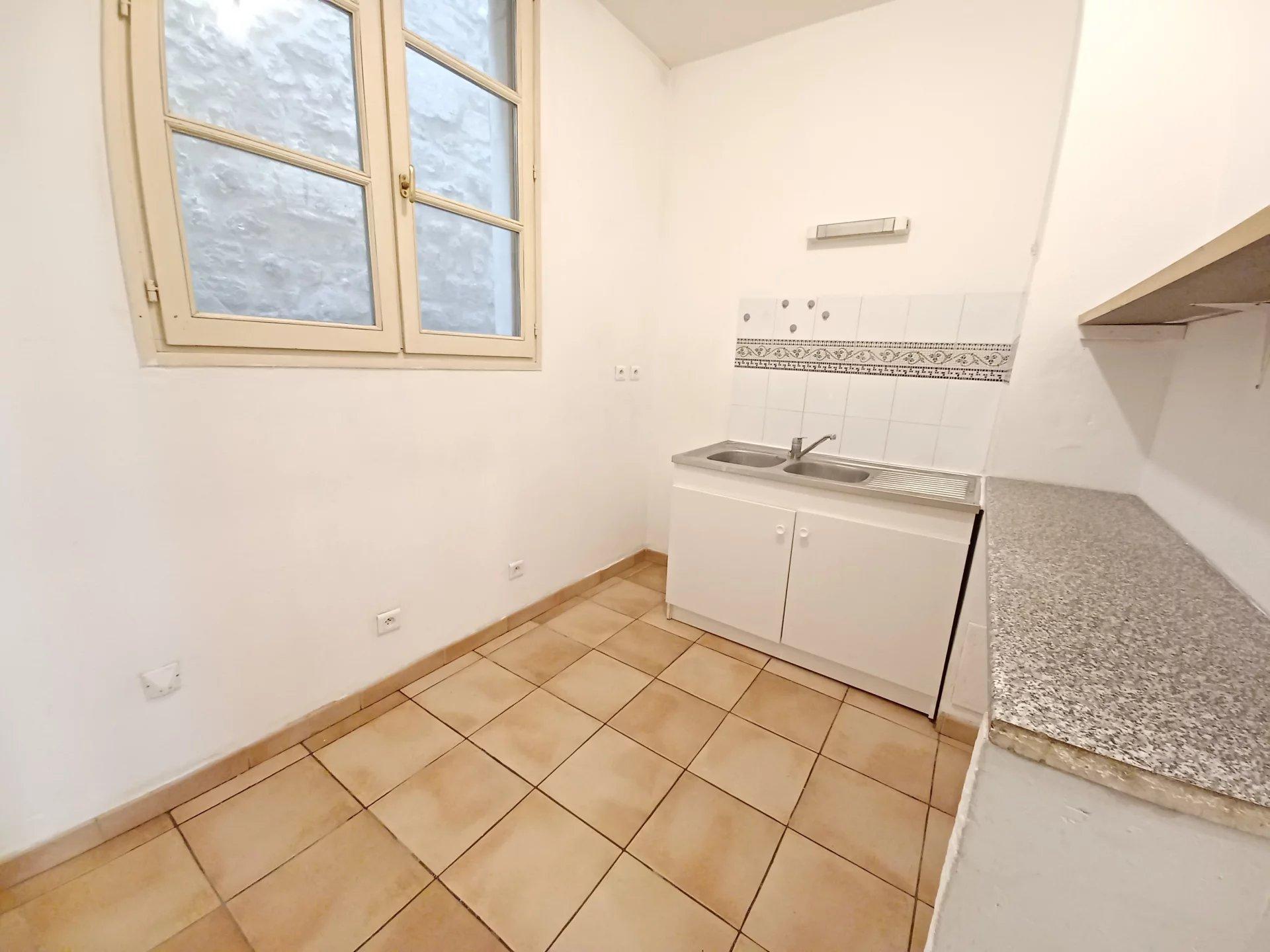 Location Appartement TARASCON 1 salles de bain