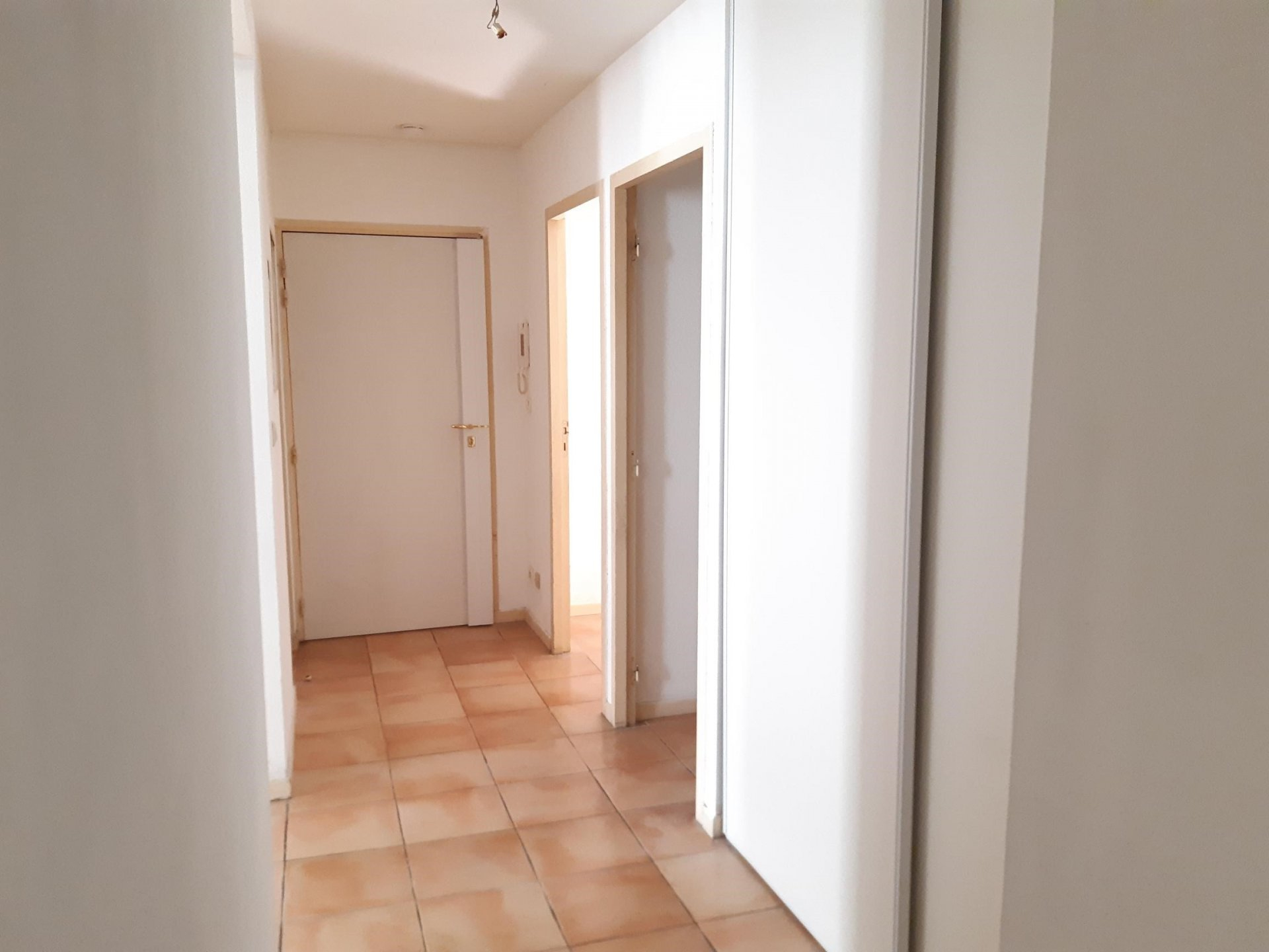 Location Appartement TARASCON surface habitable de 72 m²