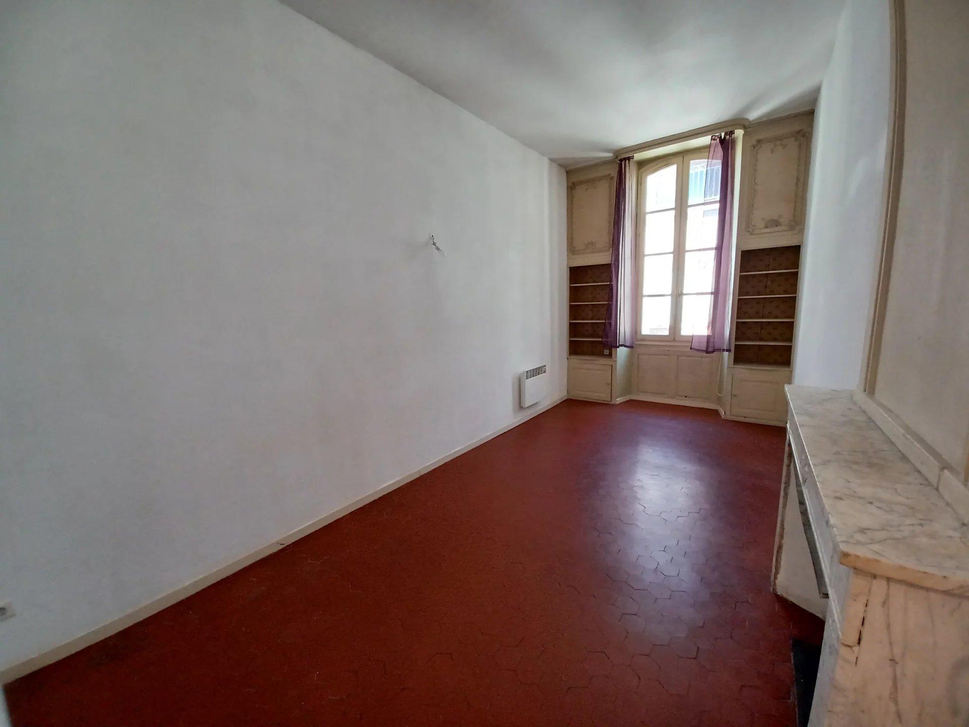 Location Appartement TARASCON séjour de 22 m²