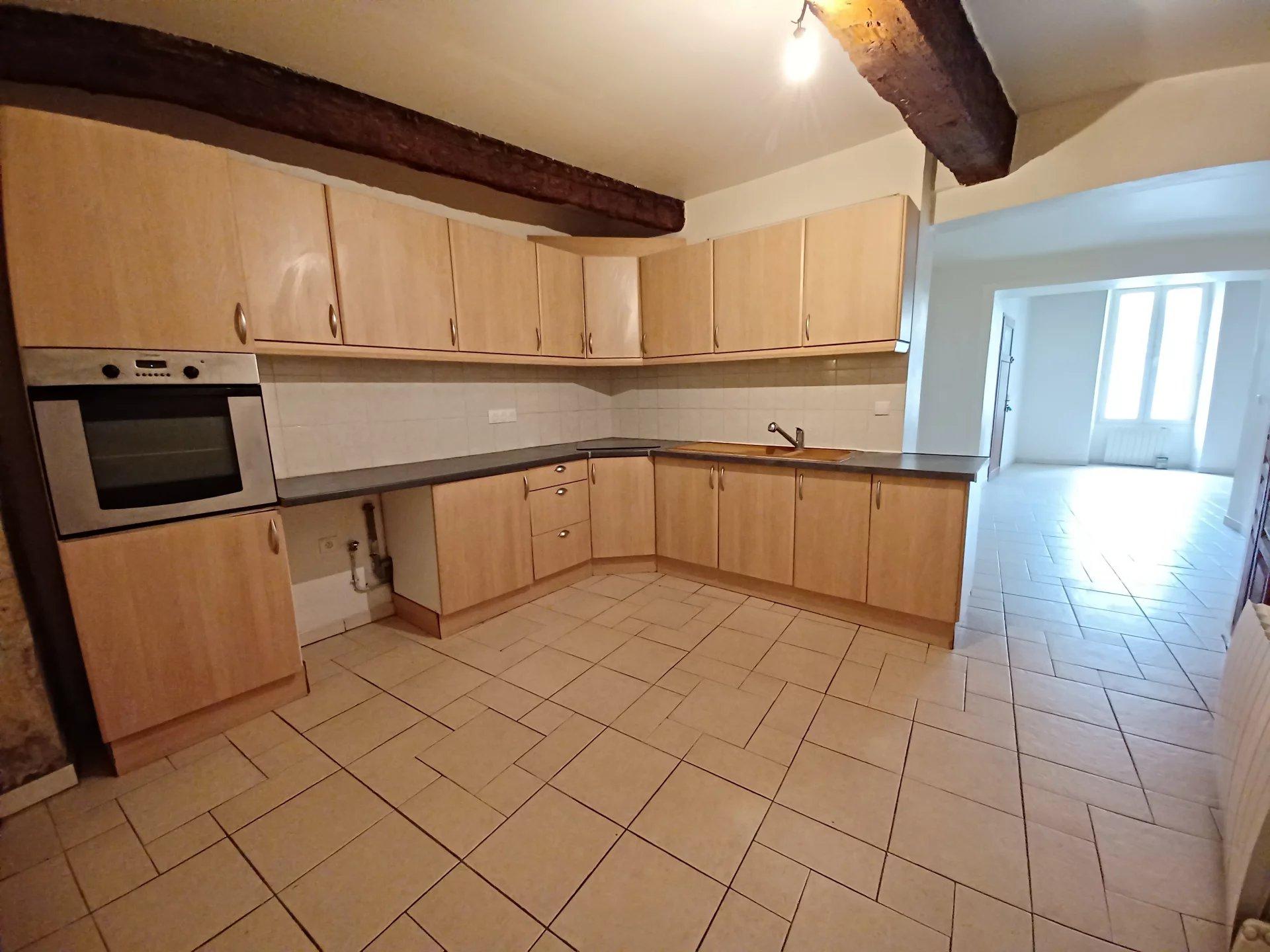 Location Appartement TARASCON surface habitable de 70 m²