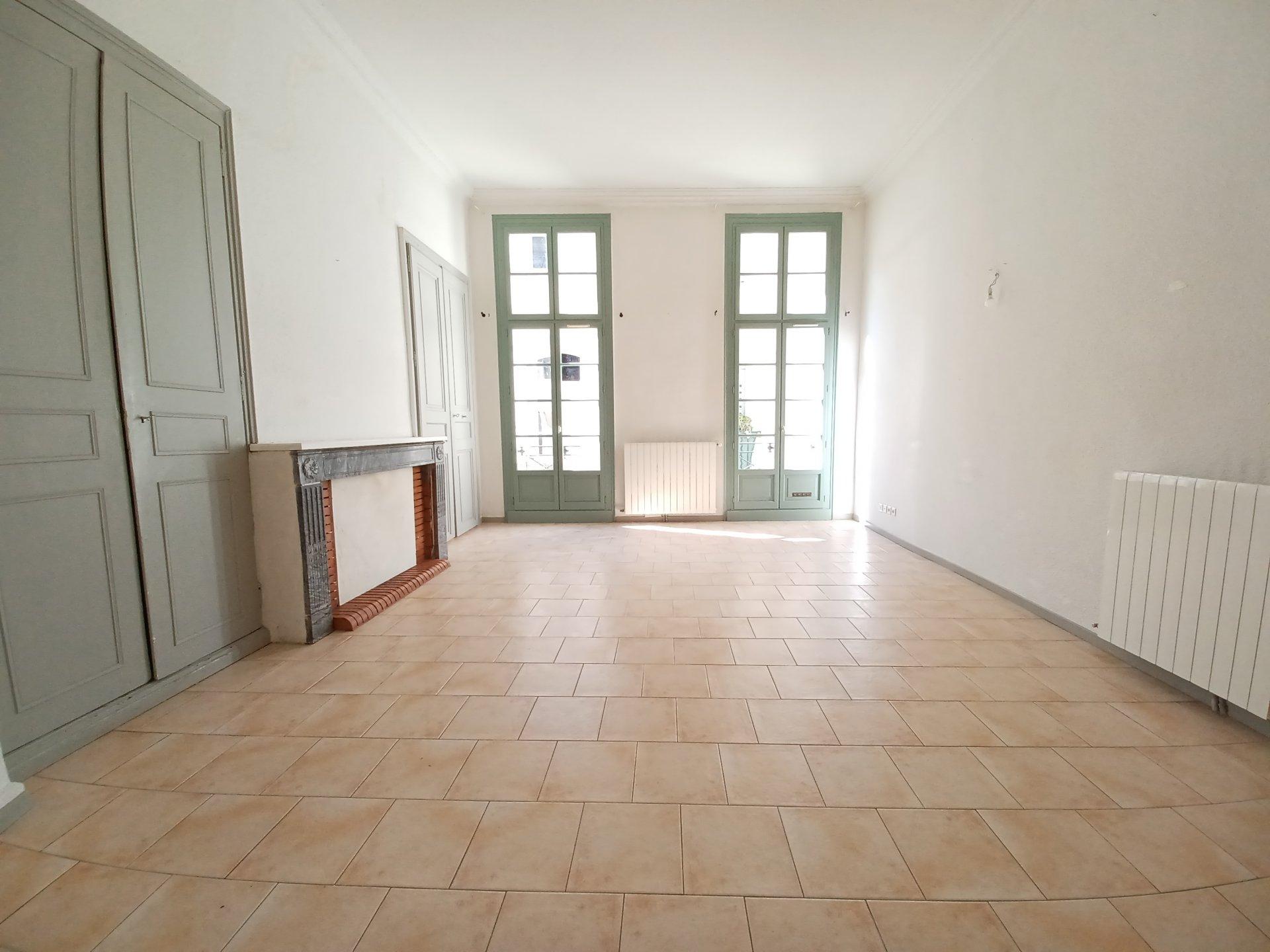 Location Appartement BEAUCAIRE Mandat : 0716