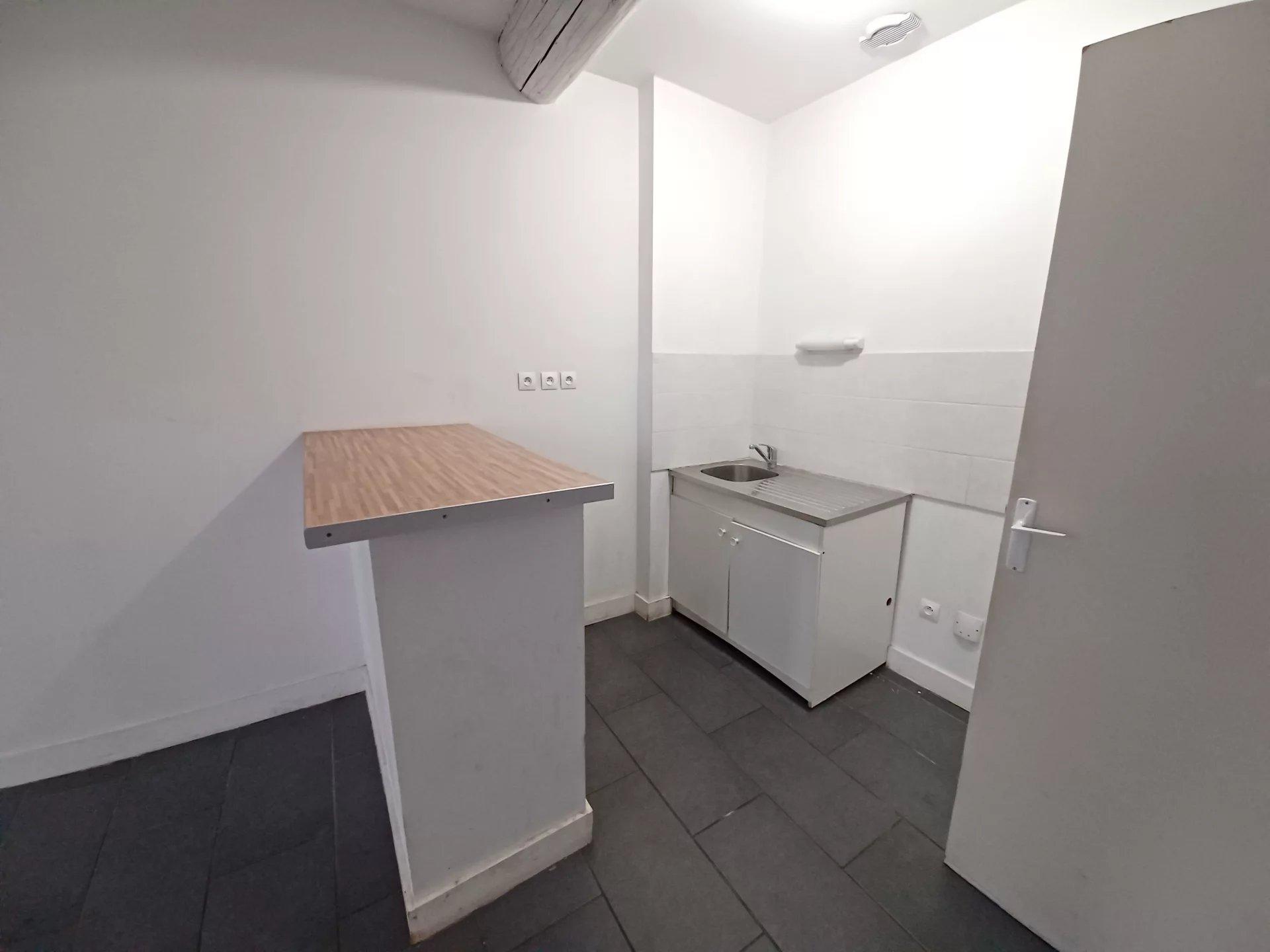 Location Appartement BEAUCAIRE surface habitable de 47 m²