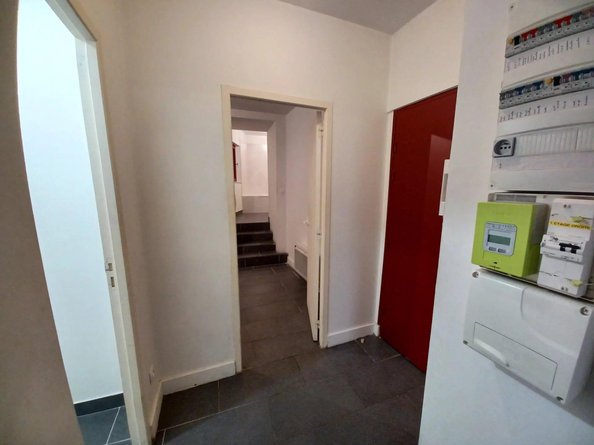 Location Appartement BEAUCAIRE séjour de 28.23 m²