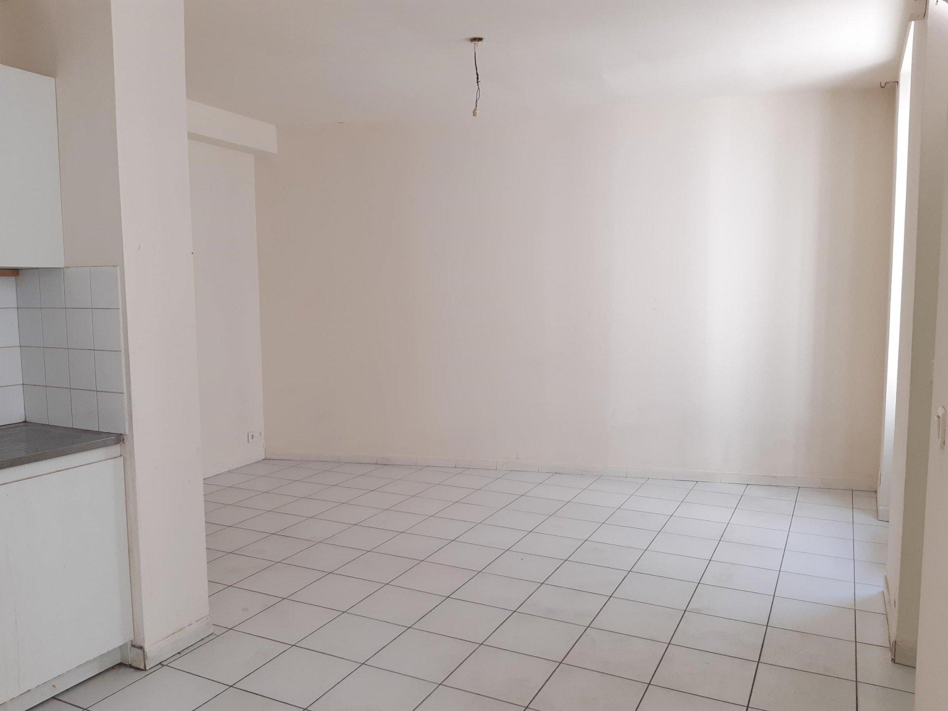 Location Appartement TARASCON 1 salles d'eau