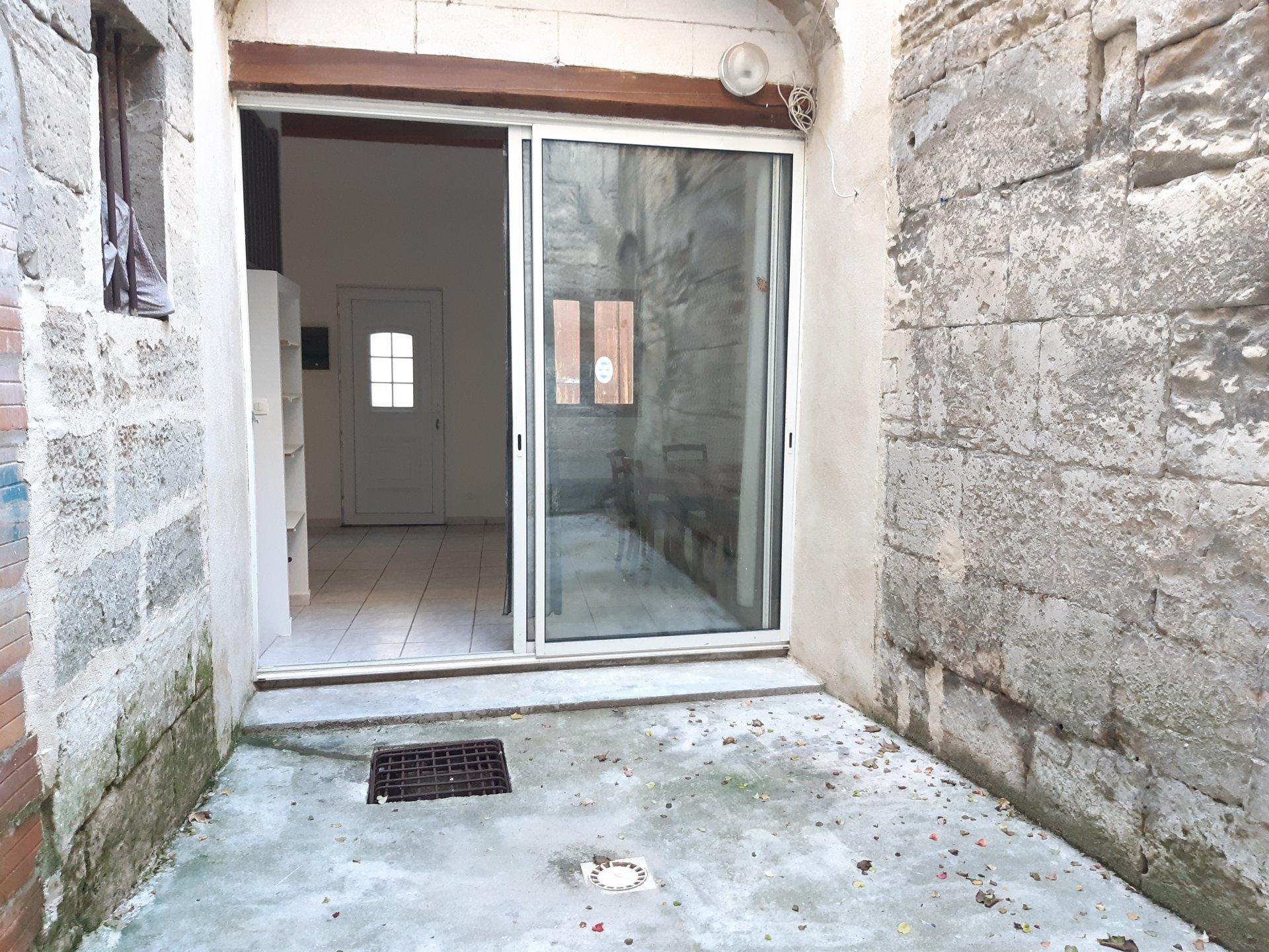 Location Appartement TARASCON surface habitable de 38 m²