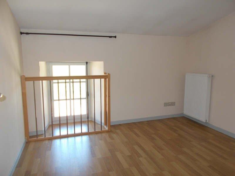 Location Appartement CHAVANNES séjour de 28.9 m²
