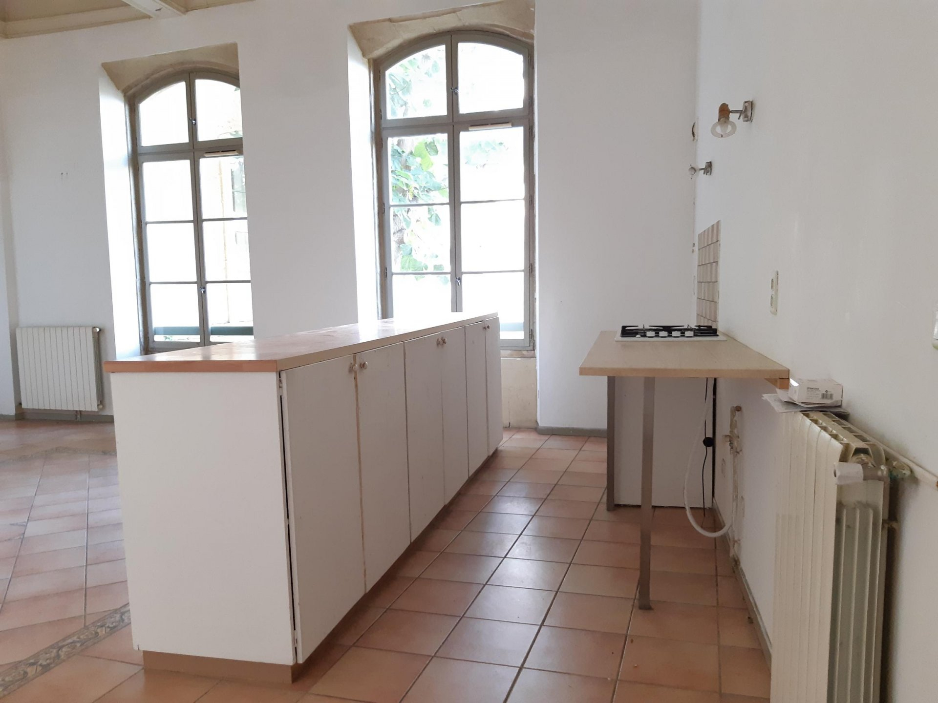 Location Appartement TARASCON surface habitable de 98 m²