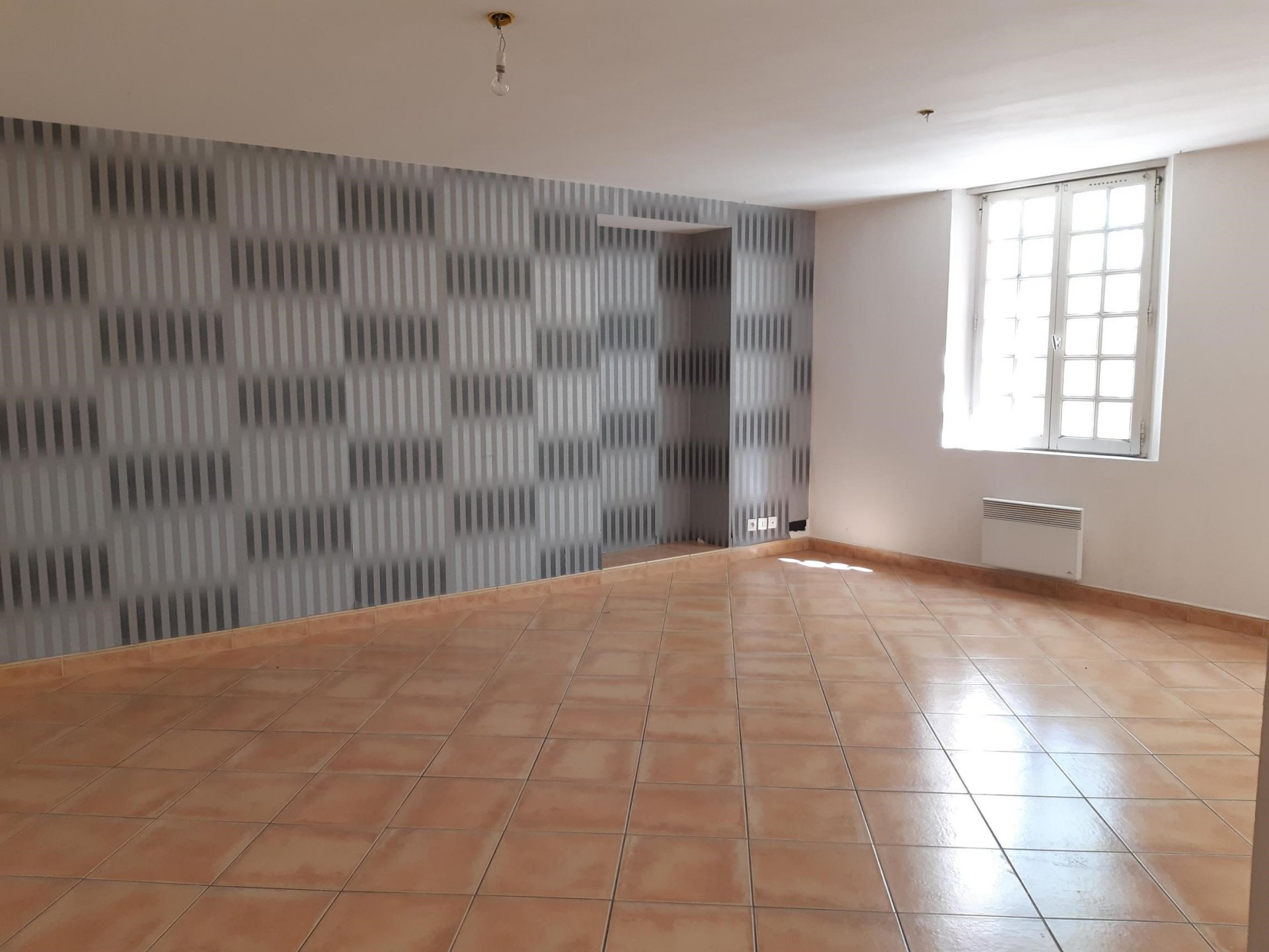 Location Appartement TARASCON séjour de 33.9 m²