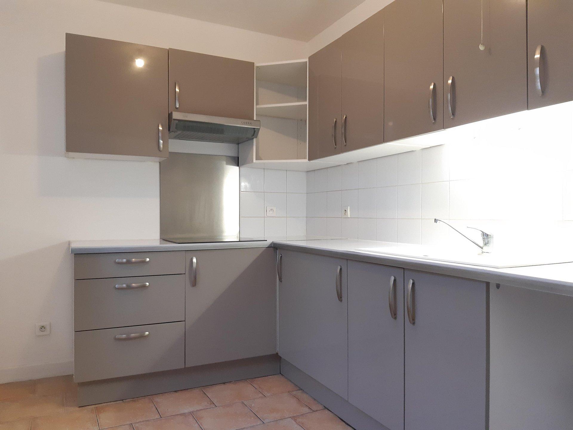Location Appartement BEAUCAIRE Mandat : 1010