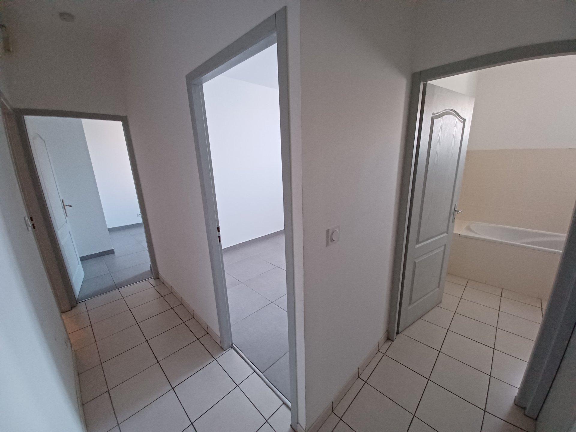 Location Appartement BEAUCAIRE surface habitable de 61 m²
