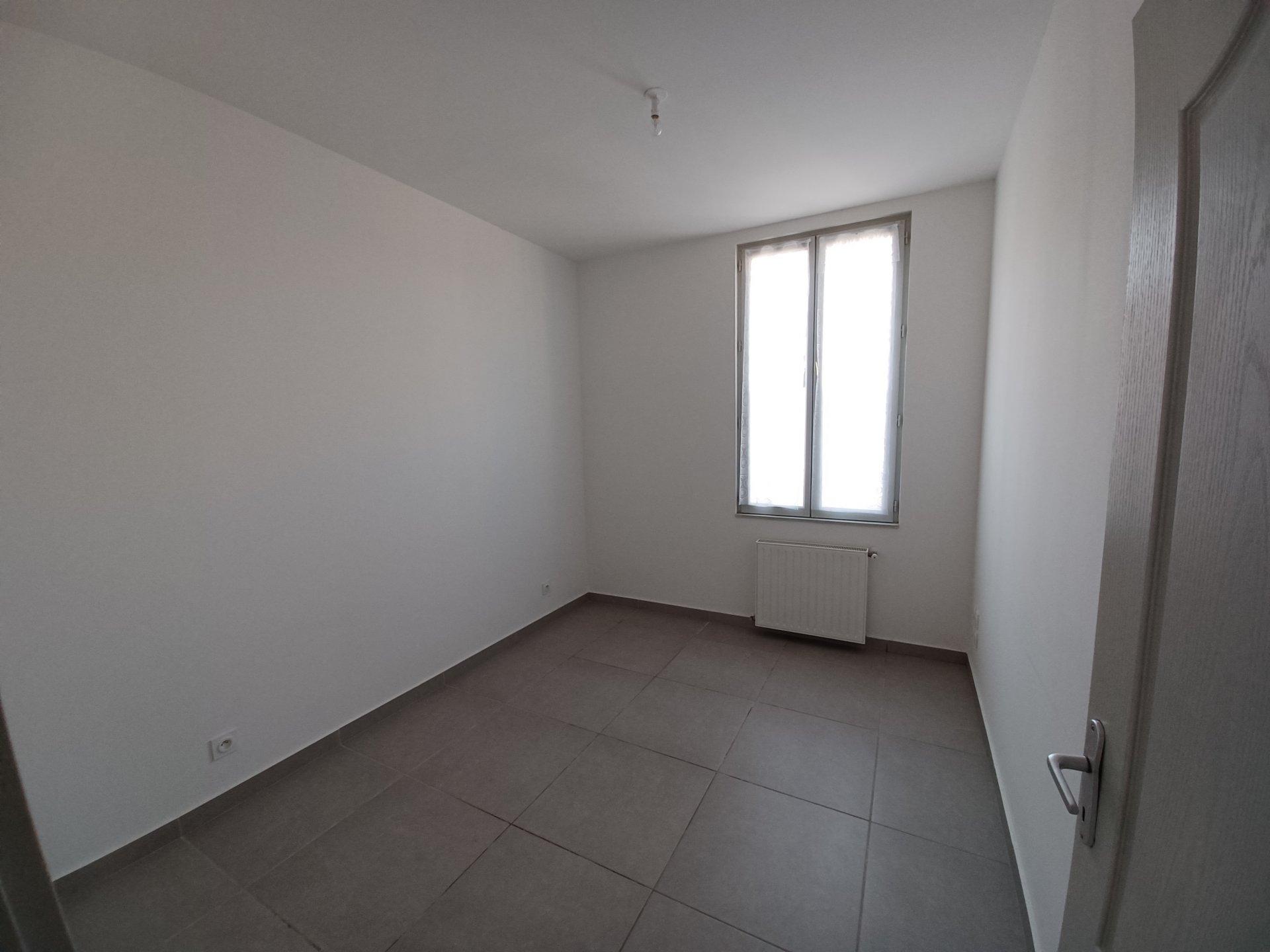 Location Appartement BEAUCAIRE 3 pièces