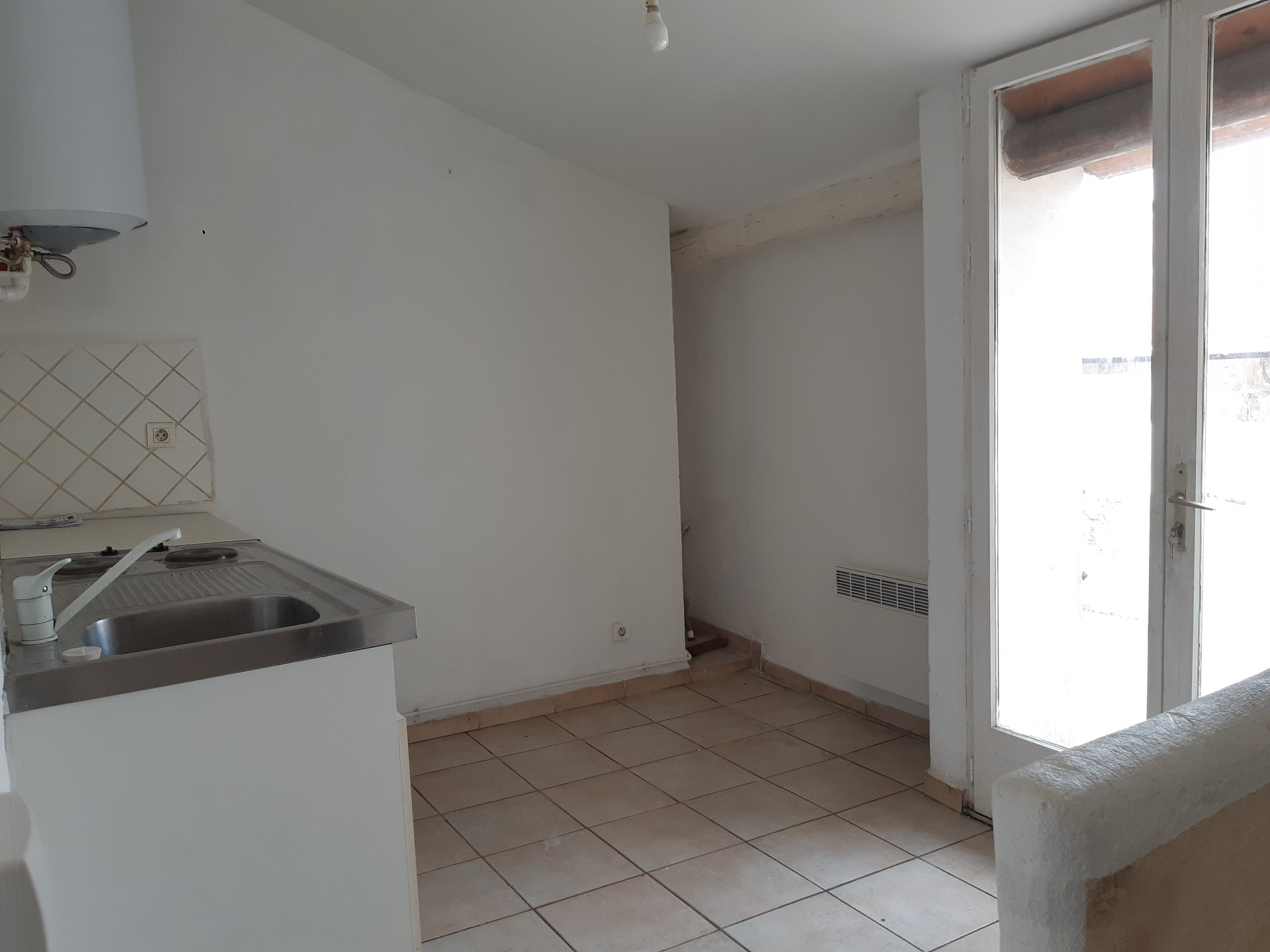Location Appartement TARASCON Mandat : 8946
