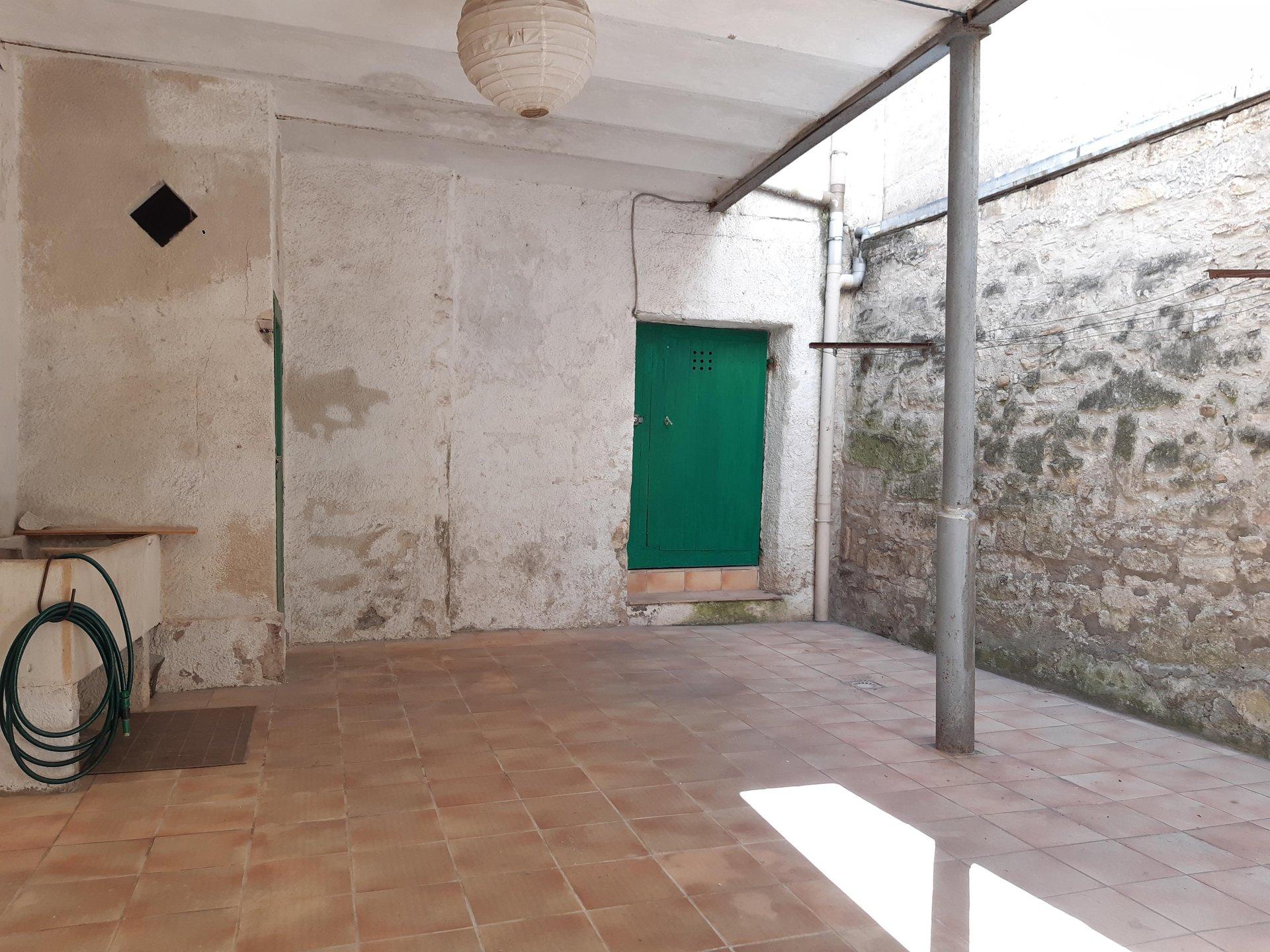 Location Appartement TARASCON surface habitable de 80 m²