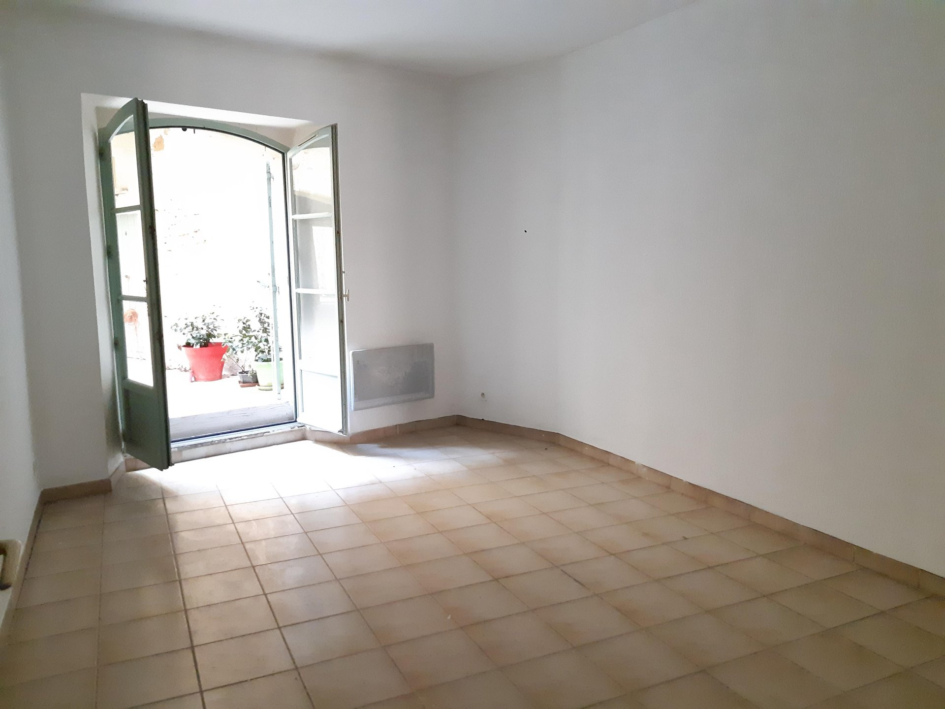 Location Appartement TARASCON surface habitable de 40 m²