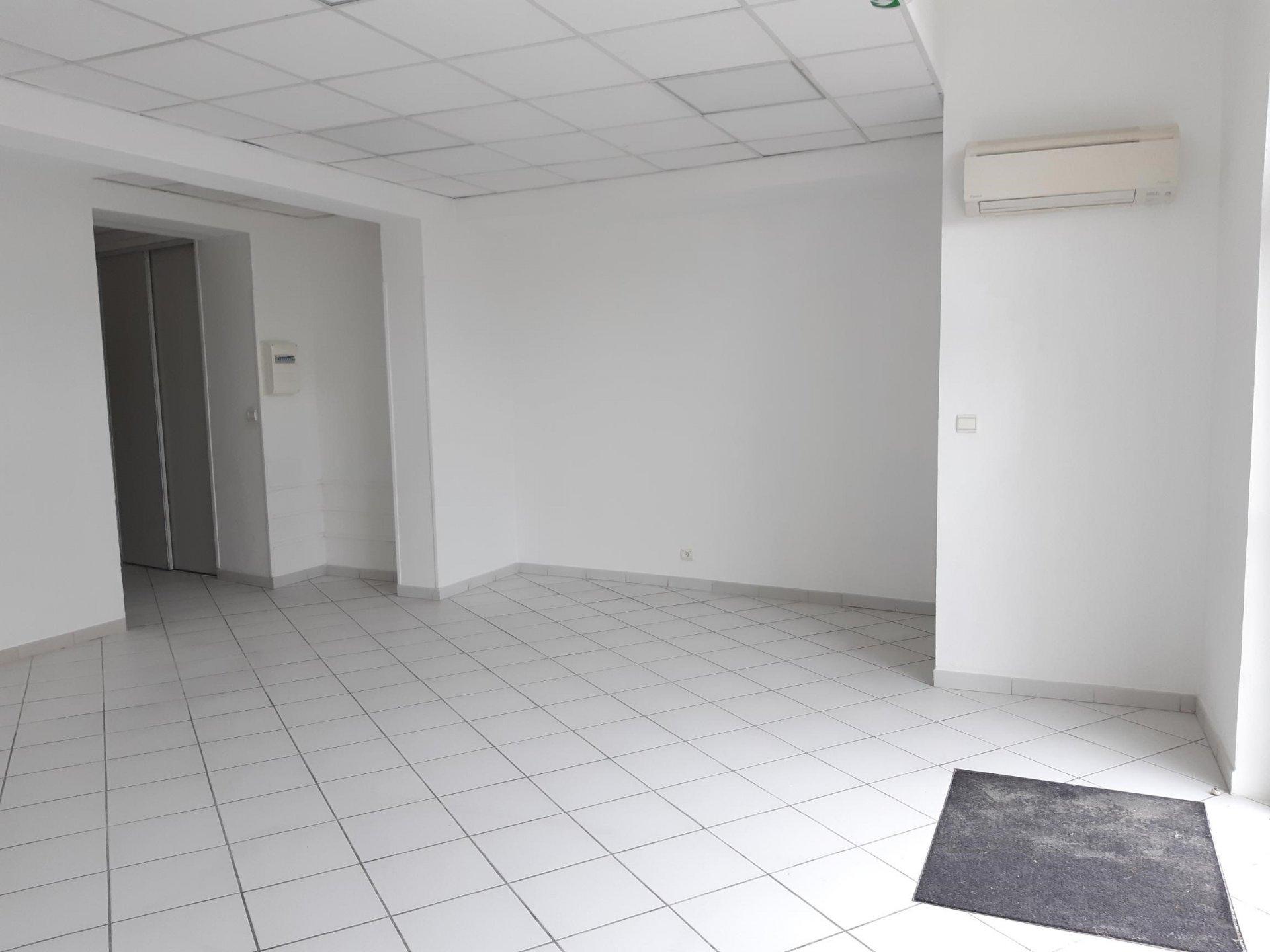 Location Fonds de commerce TARASCON surface habitable de 70 m²
