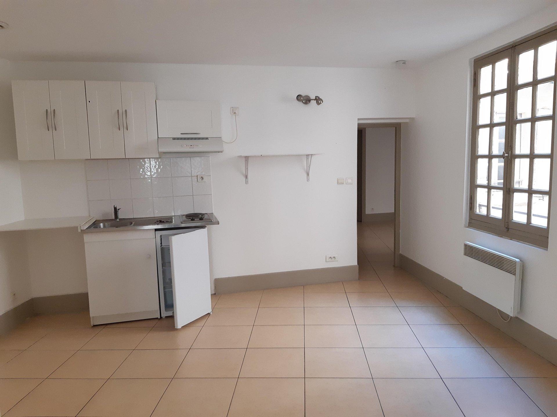Location Appartement ARLES 1 salles de bain