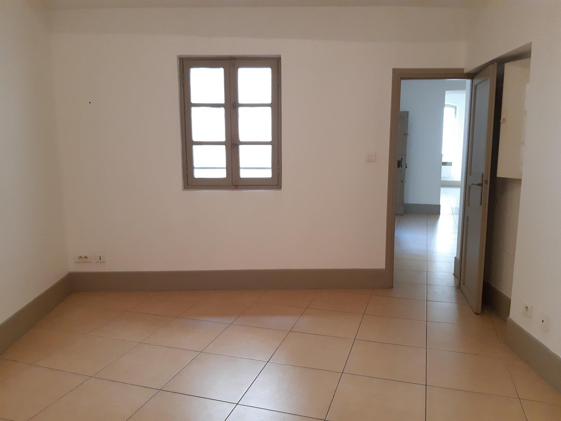 Location Appartement ARLES surface habitable de 81 m²