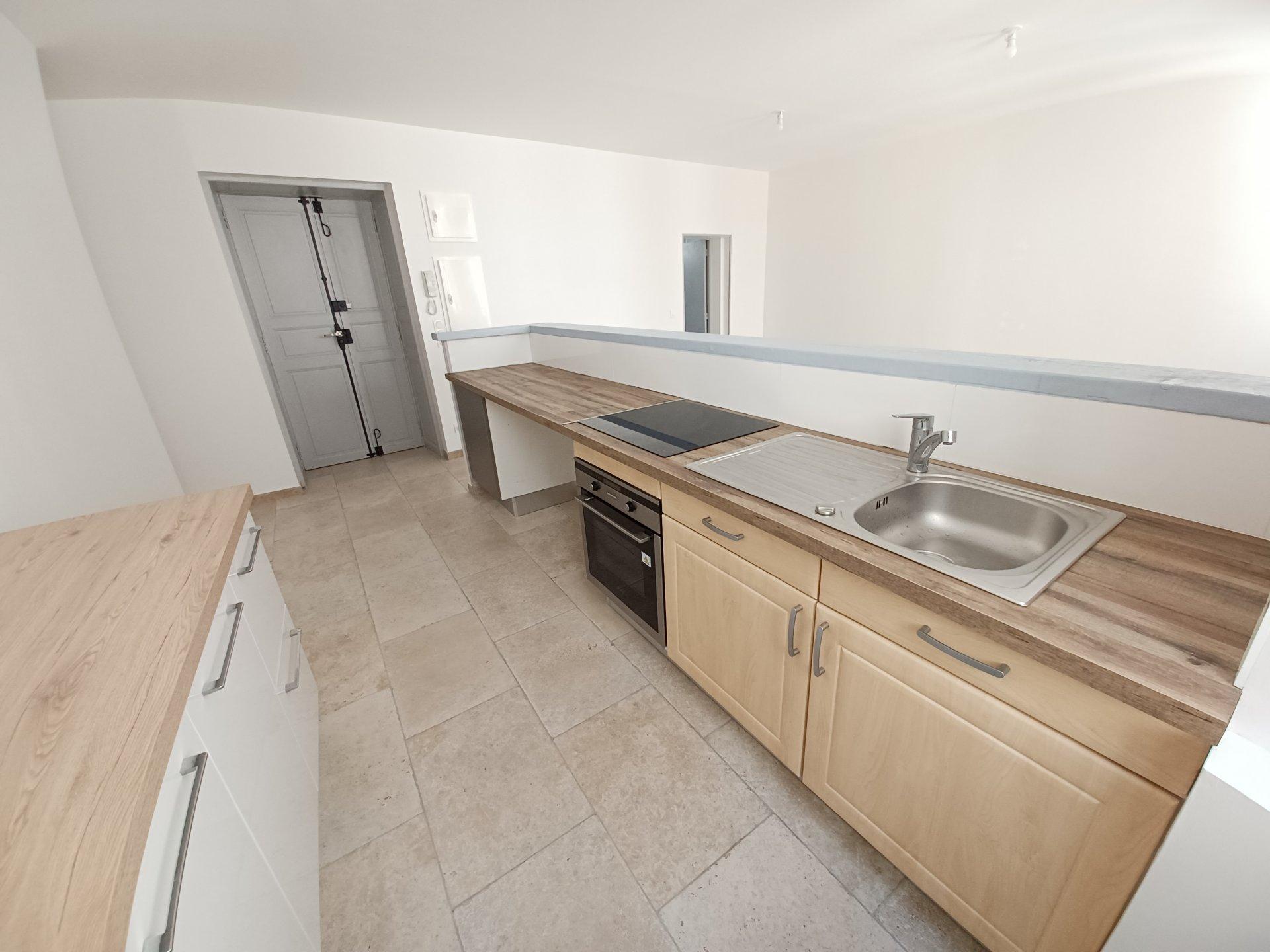 Location Appartement TARASCON surface habitable de 56 m²