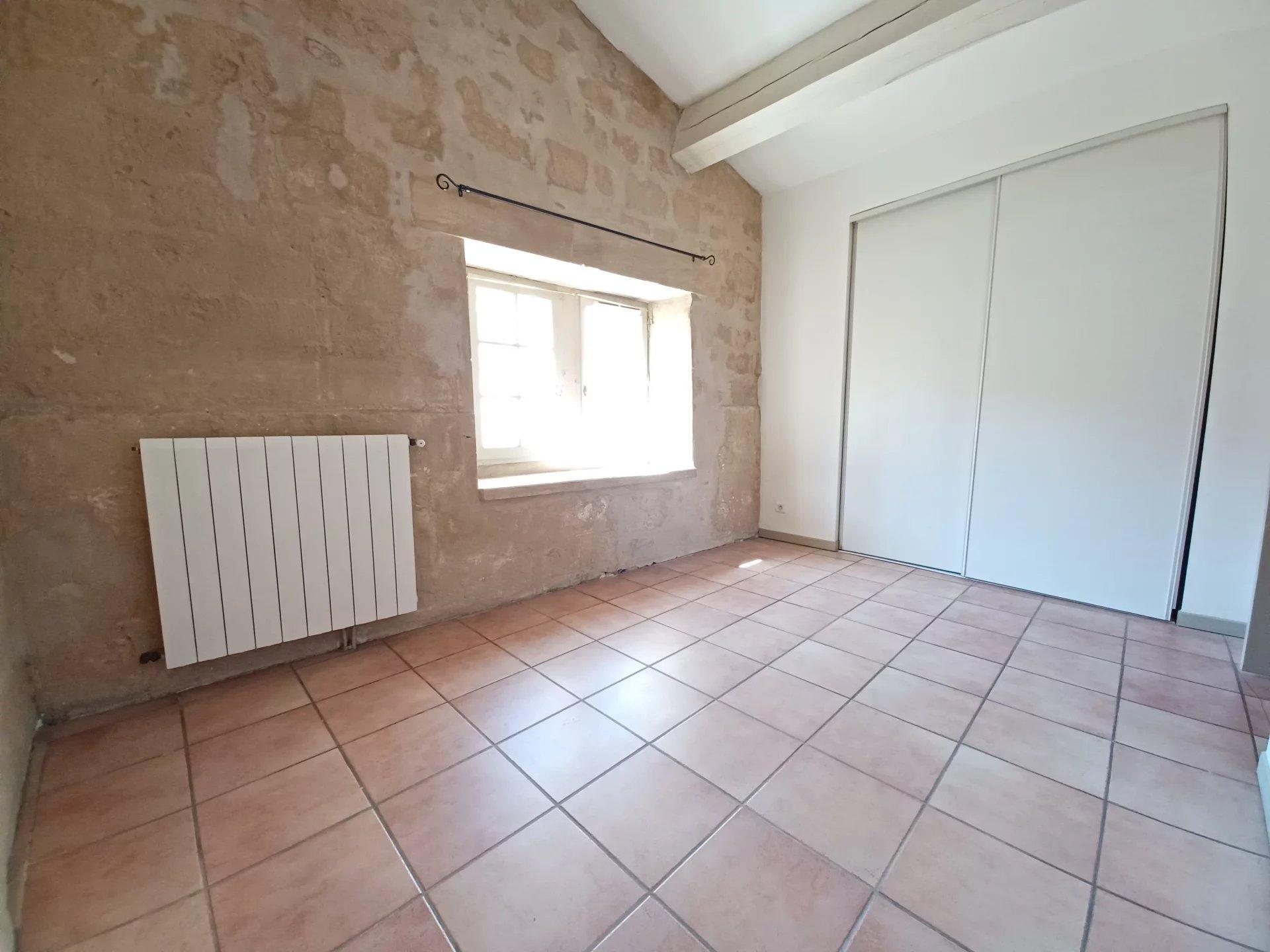 Location Appartement TARASCON séjour de 17.88 m²