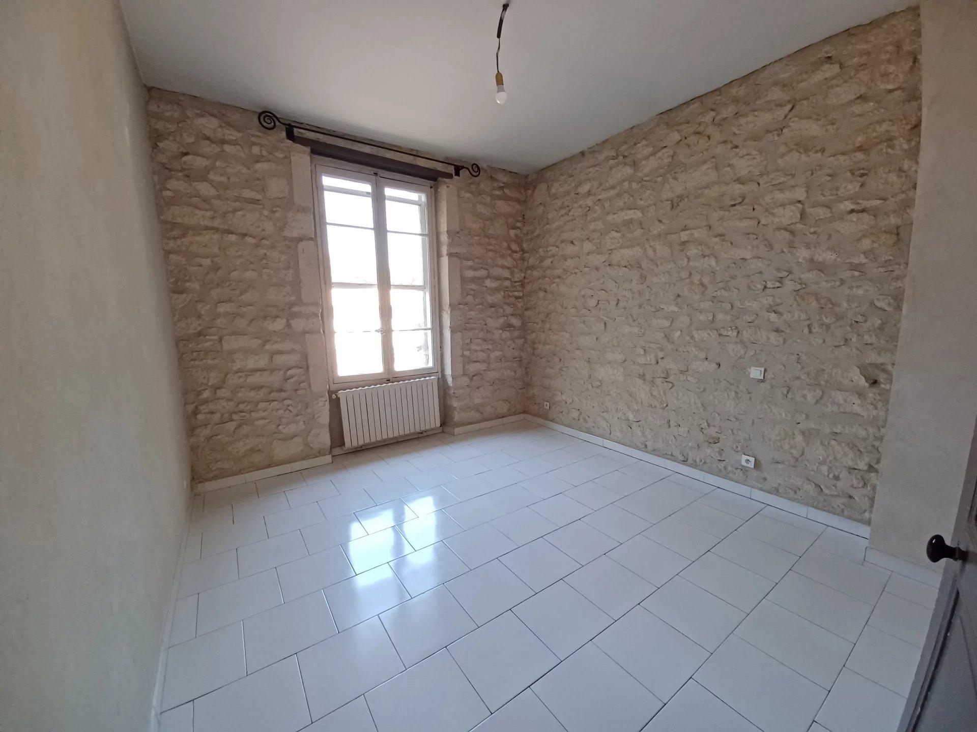 Location Appartement TARASCON surface habitable de 55 m²