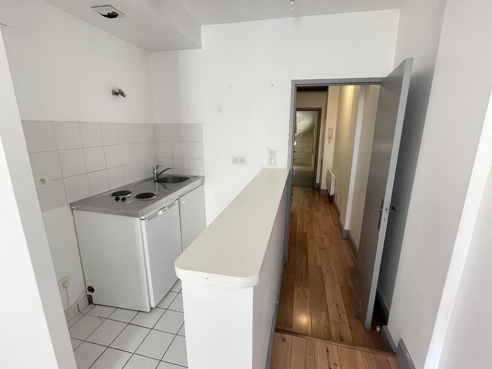 Location Appartement BEAUCAIRE 1 pièces