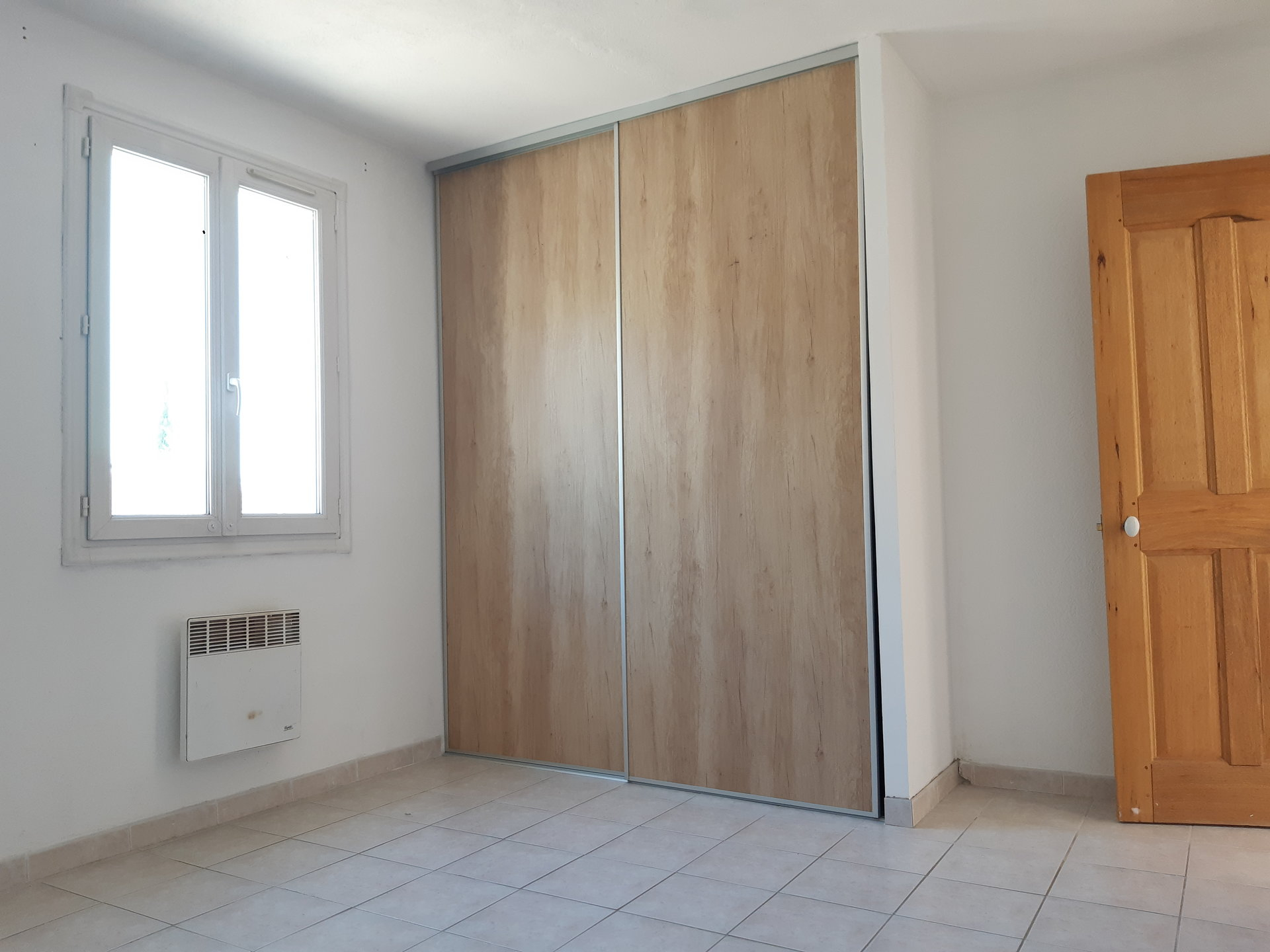 Location Maison PARADOU climatisation, individuel, electrique chauffage
