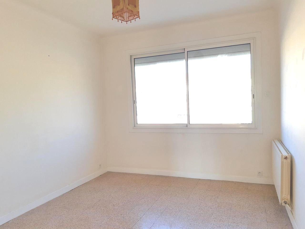 Location Appartement TARASCON séjour de 20.29 m²