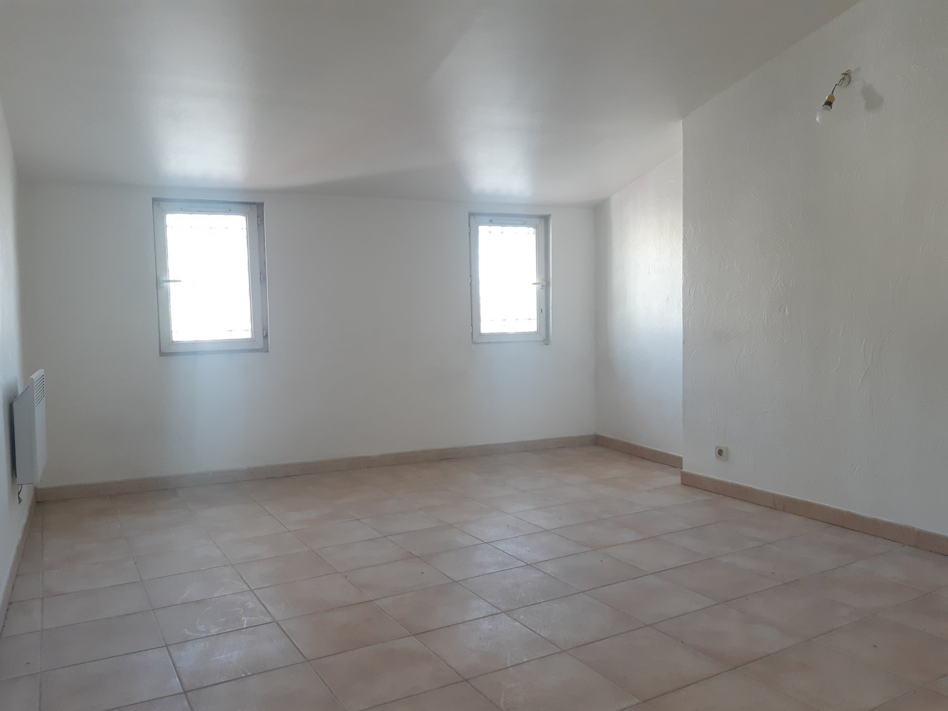 Location Appartement TARASCON Mandat : 1084
