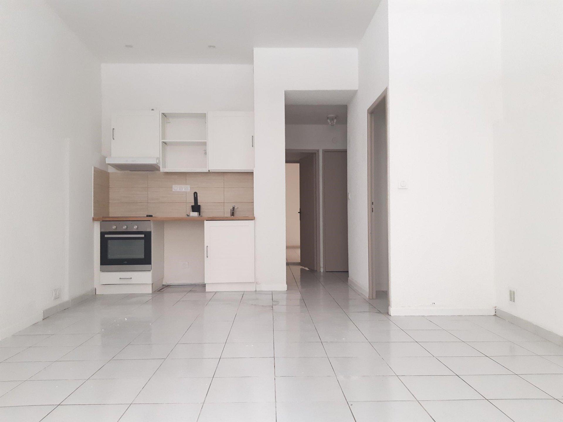 Location Appartement BEAUCAIRE surface habitable de 62 m²